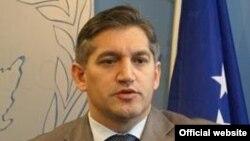 Ministri i Financave, Besim Beqaj.