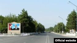Prezident İlham Əliyev avqustun 5-də göstəriş verib ki, şəhər və rayonlardan onun portretləri yığışdırılsın