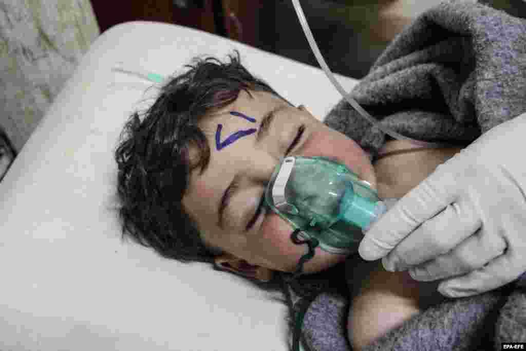 سراقب در ادلب؛هدر نائورت، سخنگوی وزارت خارجه ایالات متحده، روز دوشنبه در توئیتر خود بر نگرانیها از استفاده از گاز کلر در سراقب، منطقهای مسکونی در ادلب، تاکید کرده بود.