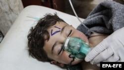 Ребенок, предположительно пострадавший в результате химической атаки в Сирии