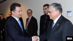 Прва средба меѓу Груевски и Пападемос