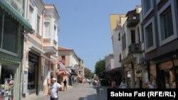 Buragas, Bulgaria 2016: Strada principală, care leagă centrul orașului de mare la Burgas