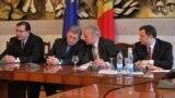 Liderii AIE în martie 2012.