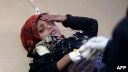 کودک یمنی در بیمارستانی در صنعا؛ نبردهای یمن این کشور را در مرز یکی از بدترین همهگیریهای وبا قرار دادهاست