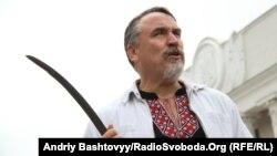 Форум у Харкові відкривали письменники брати Капранови (один із них на фото) та Сергій Жадан