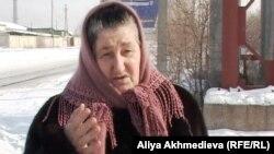 "Зарган Париева, сестра арестованного активиста президентской партии ""Нур Отан"" Вахи Сурхаева."