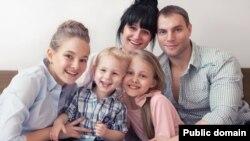 Родина Василевських (фото зі сторінки у Фейсбук Вікторії Василевської)