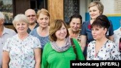 Сьвятлана Алексіевіч у школе ў Капаткевічах, дзе вучылася. 13 жніўня 2017