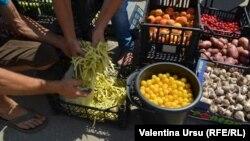 Рынок в Теленешть, Молдова