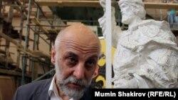 Скульптор Салават Щербаков и его скульптура Князя Владимира