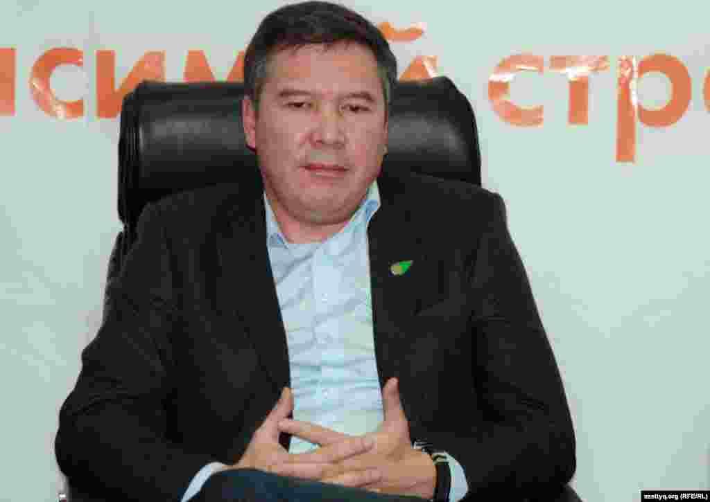 «Руханият» жасылдар партиясының төрағасы Серікжан Мәмбеталин. Алматы, 19 қазан 2011 жыл.