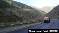 Кыргызстан тыштан алган насыянын бир бөлүгүн жолдорду курууга жумшаган