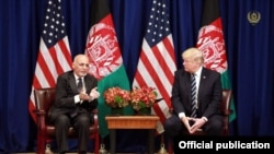 U.S. President Donald Trump with (L) Afghan President Mohammad Ashraf Ghani during a meeting in New York in 2017.