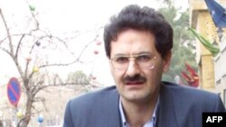 عليرضا رجايی ارديبهشت ۹۰ به اتهام «ارتکاب جرايم امنيتی» بازداشت شد و از آن زمان در زندان به سر میبرد.