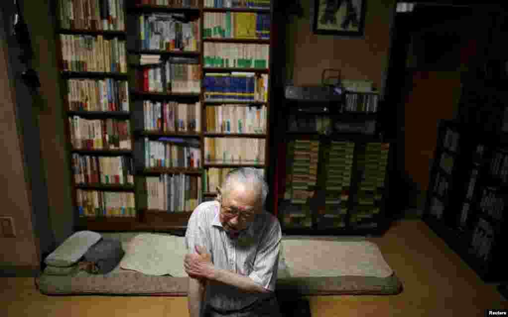 Один из переживших бомбардировку, 89-летний Акира Ямада - бывший руководитель Университета Фукусимы.