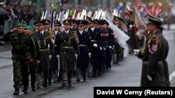 Прага шаарында төрт миң жоокер жана аскер техникасы катышкан парад болду.