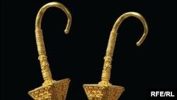Золотые серьги из колекции Васила Божкова