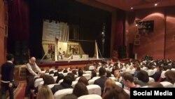 """Глобус"" театрынын оюну. 7-ноябрь, 2015-жыл"