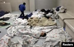 Лагерь для несовершеннолетних нелегальных иммигрантов в штате Техас