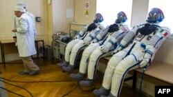 Astronauti treba da putuju oko šest sati do Međunarodne svemirske stanice