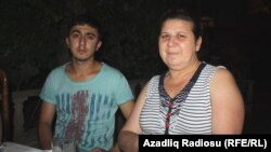 Zakir Sadatlının həyat yoldaşı Zərəngiz Aslanova və oğlu