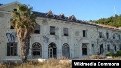 Bivši hotel Grand u Kuparima