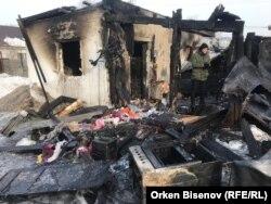 Сгоревшая при пожаре времянка, в которой погибли пятеро детей. Астана, 4 февраля 2019 года.