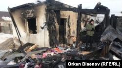 На месте пожара, на котором погибли пятеро детей. Астана, 4 февраля 2019 года.