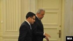 Средба на вицепремиерот за евроинтеграции Фатмир Бесими со министерот за надворешни работи на Грција Димитрис Аврамопулос. Грција, мај 2013.