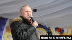 Исполняющий обязанности мэра Новосибирска Владимир Знатков на встрече с избирателями
