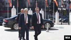 Али Ахмети и Артан Груби