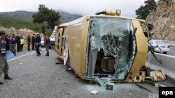 Түркияда апатқа ұшыраған автобус.