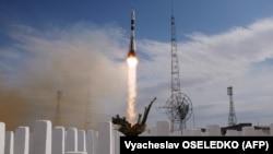 Russia's Soyuz MS-09 spacecraft carrying NASA astronaut Serena Aunon-Chancellor, Roscosmos cosmonaut Sergei Prokopyev, and German astronaut Alexander Gerst blasts off to the ISS on June 6.
