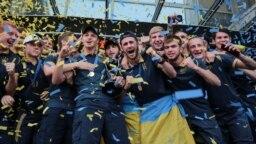 Чемпіони світу з футболу U-20 повернулися додому
