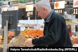 Львів'яни користуються паперовими торбинами