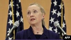 هیلاری کلینتون در جریان دیدار روز سه شنبه در ژنو