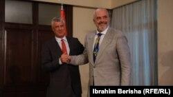 Presidenti i Kosovës, Hashim Thaçi dhe kryeministri i Shqipërisë, Edi Rama.