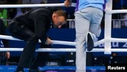 İlham Əliyev qalib boksçunu mükafatlandırdı- [fotolar]