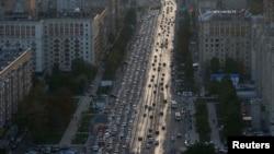 Вид на автодорогу в Москве. Иллюстративное фото.