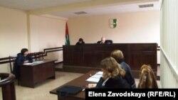 Изида Чаниа напомнила суду, что ее мнение основано на заявлениях должностных лиц, опубликованных в СМИ на следующий день после штурма МВД