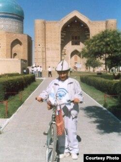 Қожа Ахмет Йассауи кесенесі. Түркістан қаласы, 21 тамыз 2012 жыл. (Көрнекі сурет)