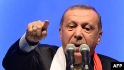 R.T.Erdoğan.
