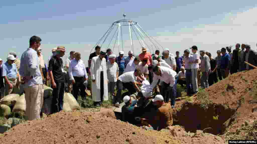 Похороны Бекмуханбета Нурмуханбетова.