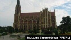 Касьцёл Святой Тройцы в. Гярвяты 2013 год. Фота Тацяны Странкоўскай.