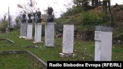 Споменици во Кичево.