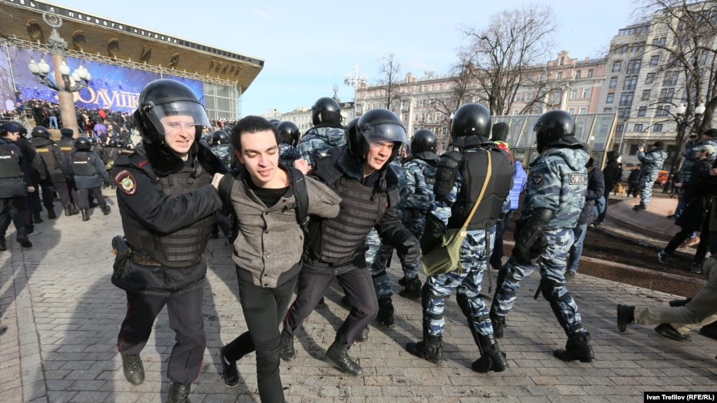 Nongovernmental organization OVD-Info estimated that more 800 people were detained in Moscow alone.