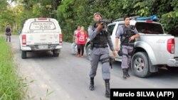 در حال حاضر پلیس در جستوجوی دهها زندانی فراریست