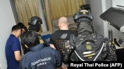 Российского хакера Сергея Медведева задержали в Таиланде, 9 февраля 2018 года (AFP PHOTO / ROYAL THAI POLICE).