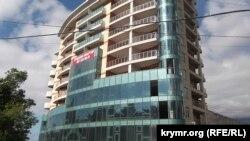 Новопостроенный жилой дом. Ялта, май 2017 года. Иллюстрационное фото