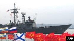 Вокруг Черноморского флота в Севастополе постоянно штормит